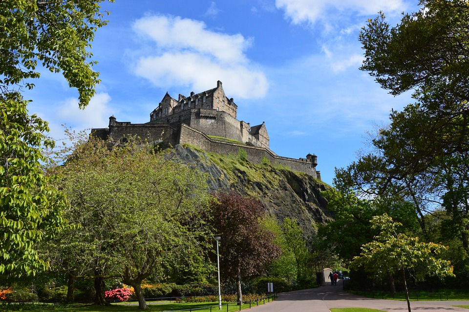 edinbrughcastle.jpg